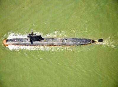 印度耗时16年研发新潜艇首次海试 网友吐槽:像生锈的澡盆