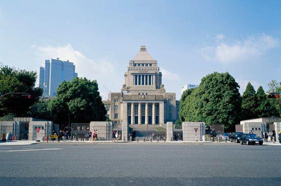 一日本国会警卫参议院别馆上吊自杀 留下类似遗书笔记