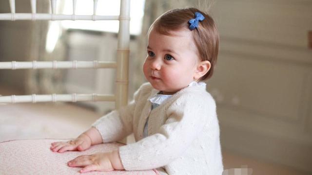 夏洛特公主明天满1岁 凯特镜头中的她萌萌哒