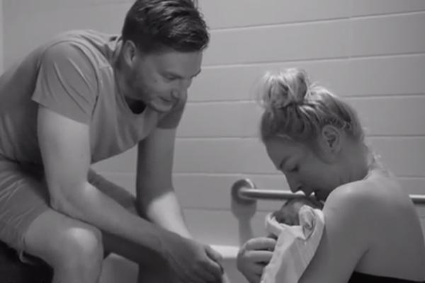 加夫妇用视频记录分娩全过程倡导自然生育