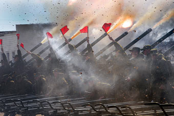 俄军礼炮兵苦练为阅兵做准备