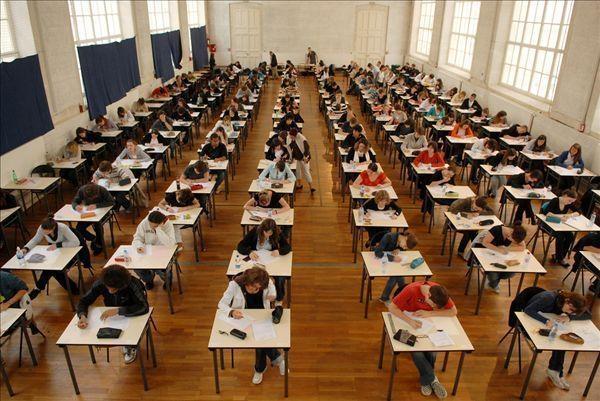 中国机器人参加文科高考:目标一本(图)