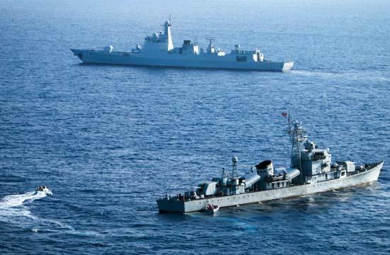 052D舰现身西沙海域进行演练