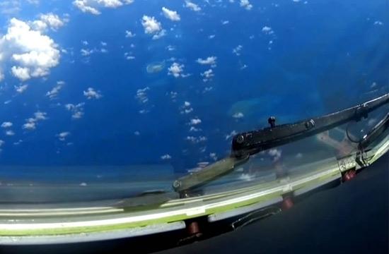 轰6K下方出现岛礁机场跑道