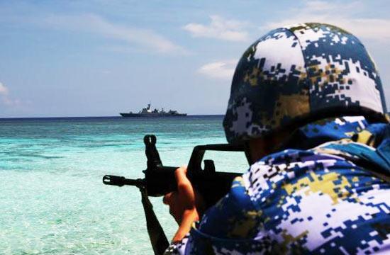 052D舰远海训练编队巡航南沙