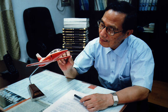 K8教练机总设计师石屏同志因病逝世 享年83岁