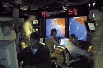 中美神盾舰作战指挥舱对比