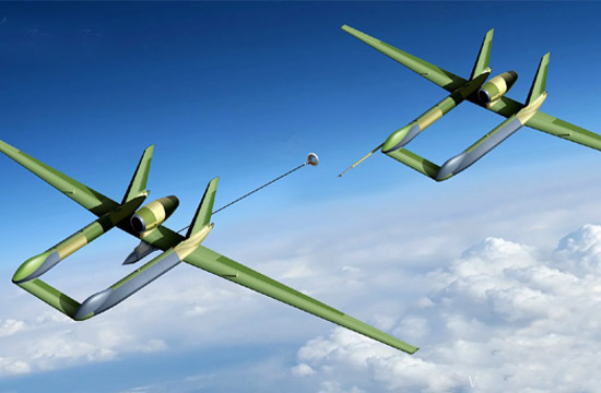 国产双机身无人机伙伴加油演示