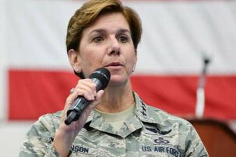 女上将首次出任美国战区司令