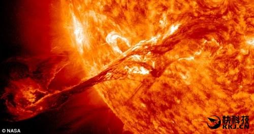 """中国科学家造太阳探测卫星:全景记录""""太阳风暴"""""""