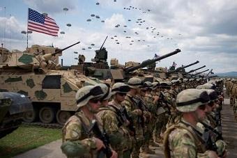 美军坦克进入格鲁吉亚参加演习