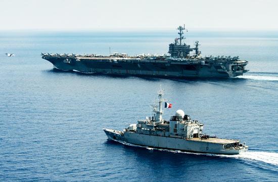 """美法军舰一起在南海""""巡航"""""""