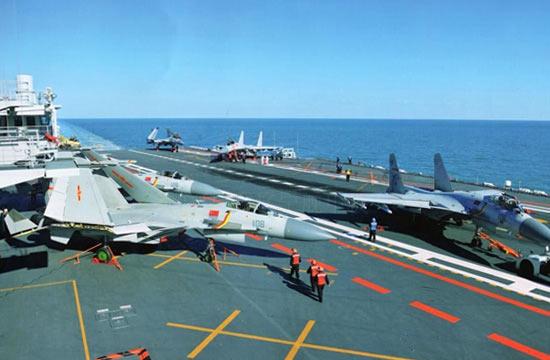 快来数:辽宁舰甲板有几架歼15