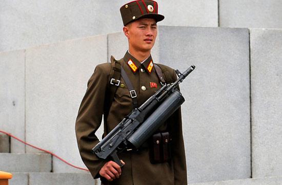 朝鲜少见凶悍武器高调亮相