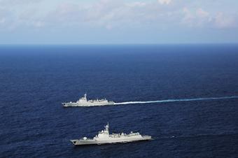 052C和052D舰同时现身印度洋