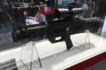 中国激光枪再次科幻现身展会