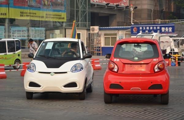 低速电动车厂家看过来 以后造车或将必须用锂电