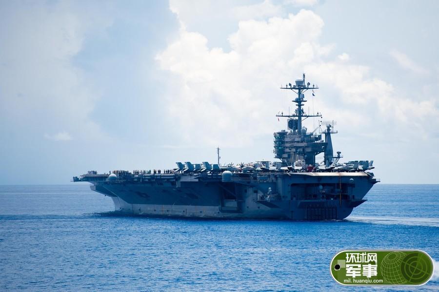 美军在南海又有大动作:高调展示航母舰载机编队