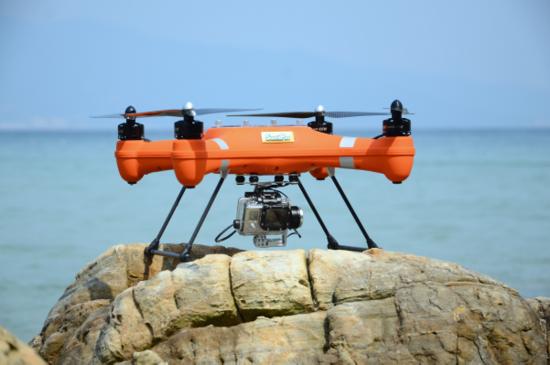 一款让你能在水中拍摄的消费级无人机你会不会买?
