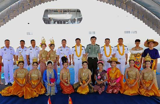 泰国隆重迎接前来军演解放军
