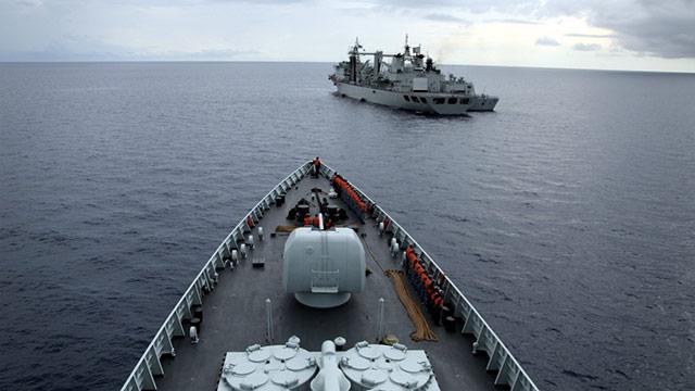 近距离接触海军远洋补给现场
