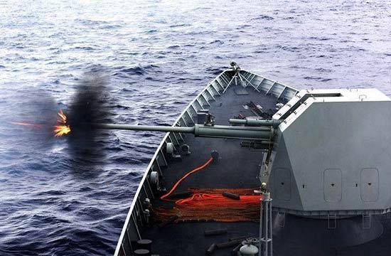 细看052D舰新型隐身舰炮开火