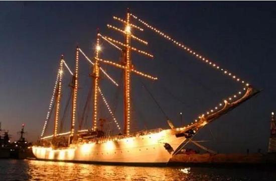 我军首艘风帆训练舰开工建造