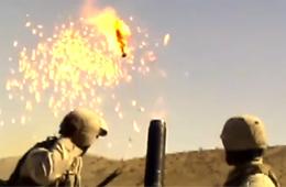 迫击炮发射失败 美国大兵拔腿就跑