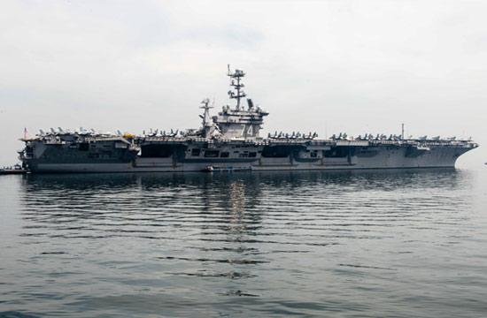 美军航母驶离南海抵达菲律宾