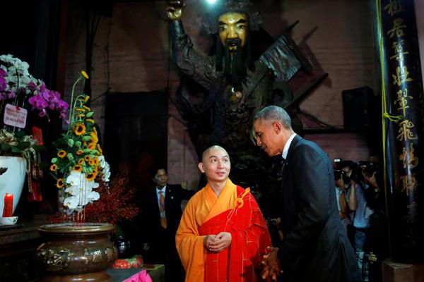 美国总统奥巴马抵达西贡参观玉皇寺