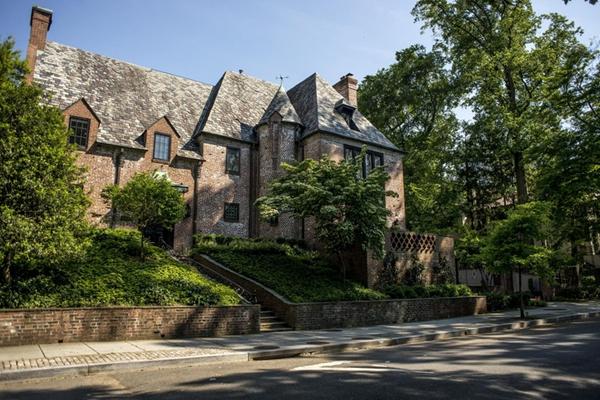 奥巴马卸任后新租房曝光 9间卧室8个浴室地处华盛顿富人区