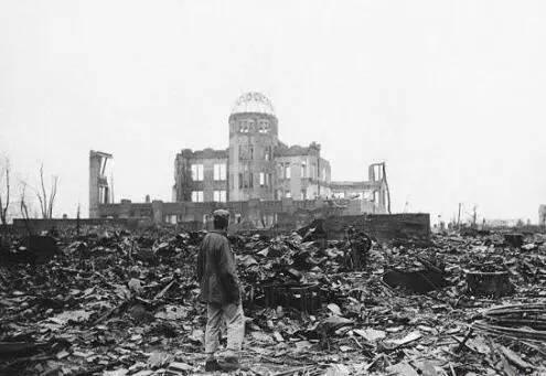 明天出现在广岛的那个人,是圣徒还是美国总统?