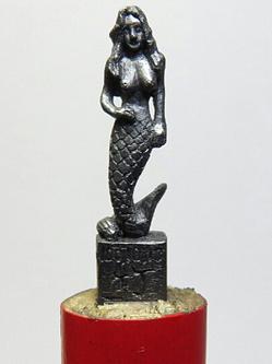 台湾男子笔芯雕刻技艺精湛受追捧