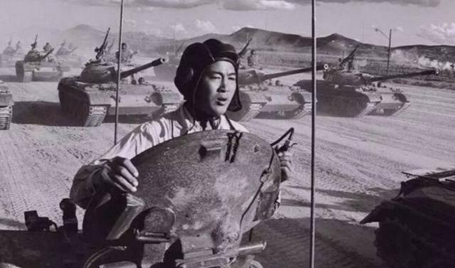 """1981年十万大军华北军演 动用模拟""""核弹"""""""