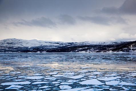 摄影师拍摄挪威北部绝美雪域风光