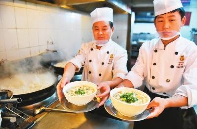 多地为小吃立官方标准 肉夹馍与炒饭等有无必要标准化?