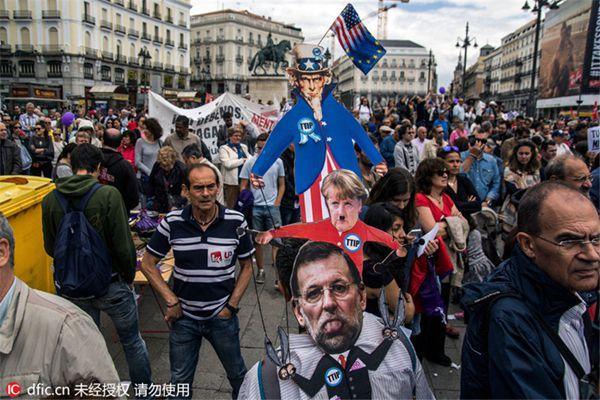 世界多地民众游行示威 抗议TTIP和财政紧缩