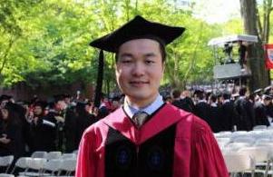 哈佛演讲学子父母:希望他离家近 别找外国女友