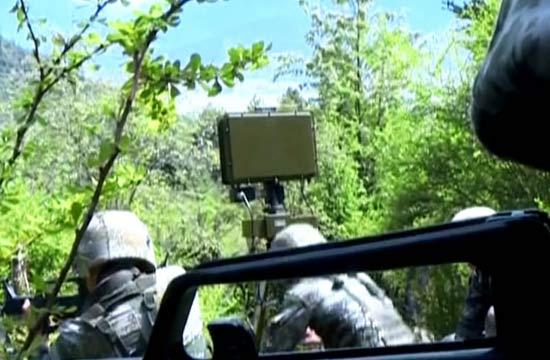 西藏解放军配备单兵侦察雷达