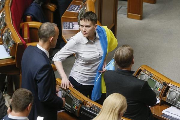 乌克兰女飞行员加入季莫申科政党 首次出席国会会议