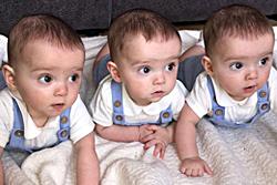 三胞胎一模一样!机率仅两亿分之一