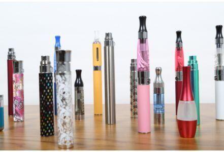电子香烟危害大 儿童或误食其液体尼古丁中毒