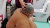 囧闻一箩筐 :无节操!胖子搓澡被收双份钱