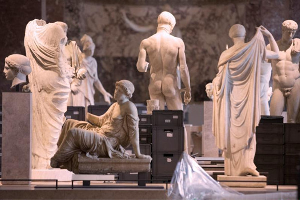 法国持续降雨天气 卢浮宫闭馆转移藏品