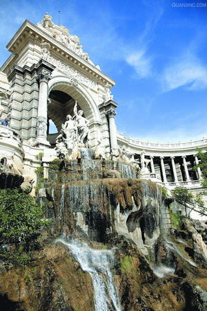 罗马古城埃克斯 喷泉浇灌两千年历史