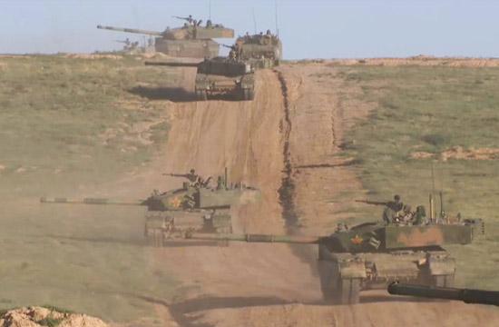 38军99A坦克群密集编队作战
