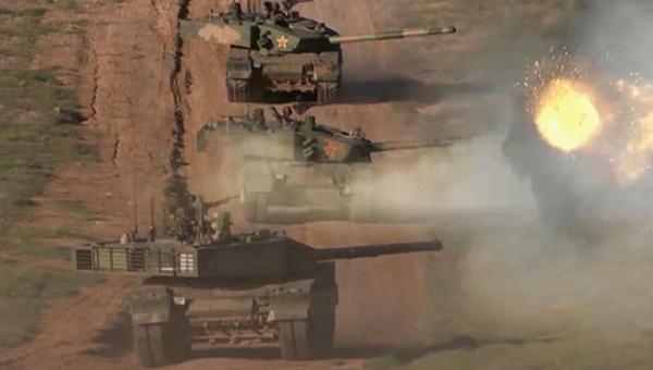 38军最强99A坦克行进中开火