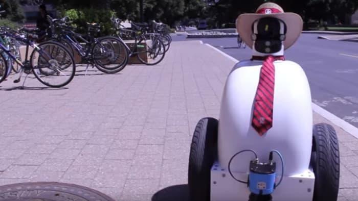 斯坦福大学打造社会化行走机器人 懂礼貌会排队