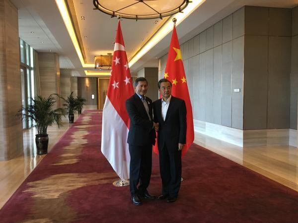 新加坡外长维文:新加?#30053;?#20570;中国与东盟的?#24085;?/></a>                     <h3><a href=