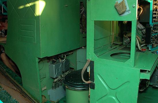 俄军图142反潜机用开放式厕所